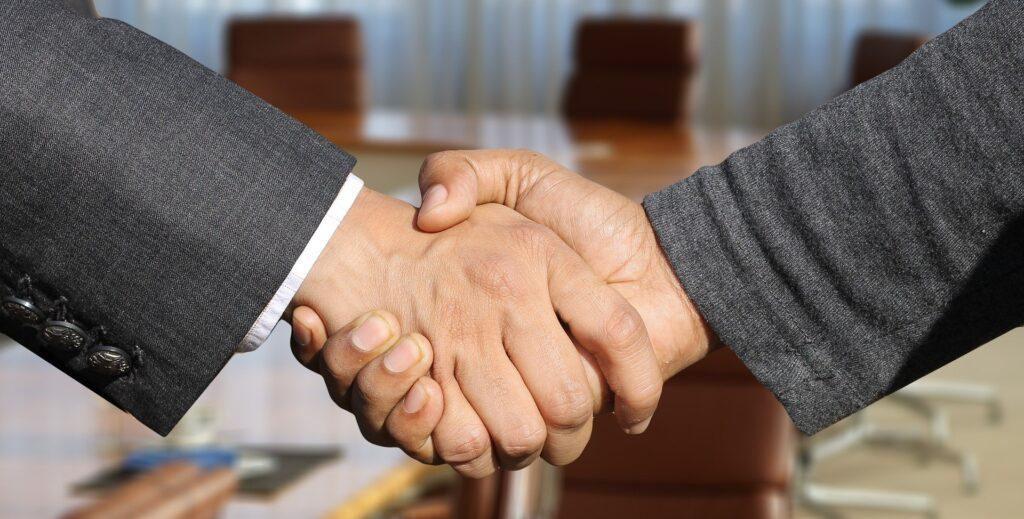 【タイの商習慣・ビジネスマナー】初めて会う時のあいさつ